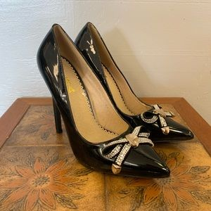 New never worn Alba black heels w/ rhinestone bow.